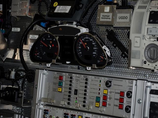S5: Laboratórium automobilovej elektrotechniky